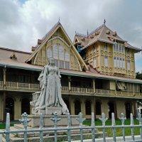 Памятник Королеве Виктории :: Андрей K.