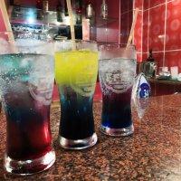 Ох уж эти коктейли.... Они сводили с ума, от них разум мутнел :-))) :: Марина Щуцких