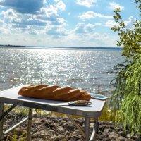 Хлеб на стол  И стол-престол. :: Ольга Зубова