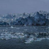 ледник с расстояния 300 м :: Георгий