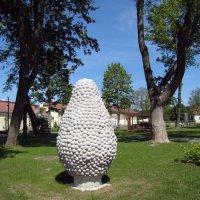 Загадочные скульптуры в парке Марьямяэ у Музея кино :: veera (veerra)