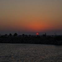 Солнце уходит купаться :: Ольга