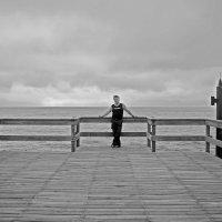 А за Спиной лежит Земля,где я пол Жизни жил. :: Jakob Gardok
