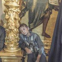Свято-Троице Сергиева лавра. Во время литургии в Успенском соборе. :: Игорь Олегович Кравченко