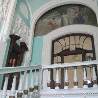 Лестница на второй этаж дома-музея Асеева :: Gen Vel