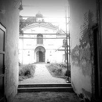 В монастыре. :: Любовь