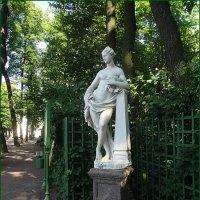 Летний Сад. Статуя Слава. :: Вера