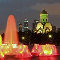 Фонтан в Парке Победы :: Евгений (bugay) Суетинов