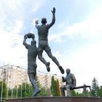 Волейболисты с тренером. фото 3 :: Alexey YakovLev