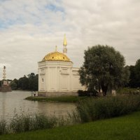 Павильон в летнем парке :: Aнна Зарубина