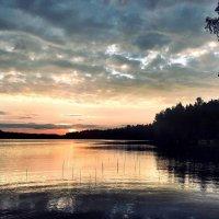 Алый свет зари на озере Долгом :: Ирэн