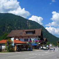 Деревня Обераммергау / Oberammergau, находящаяся в баварских Альпах, известна всему миру... :: Galina Dzubina