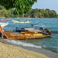 Морское такси на острове Пхи Пхи :: Виктор Куприянов