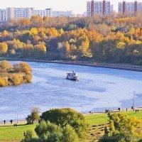 Погожий день в Коломенском :: Евгений Кочуров