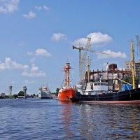 Калининградский порт :: Леонид leo