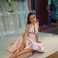 Девушка (Модель) в сидячем положение :: Батыргул (Батыр) Шерниязов