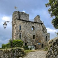 Замок графов Оверни в деревни Крок (Crocq) (2) :: Георгий