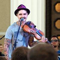 скрипач и зажигает :: Олег Лукьянов