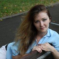 На скамейке. :: Александр Бабаев