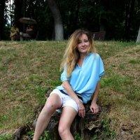 На траве. :: Саша Бабаев