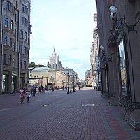 По Арбату. :: Владимир Драгунский