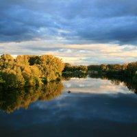 Дыханье осени повеет ветерком прохлады ... :: Евгений Юрков