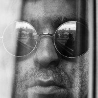 Self-Portrait in the Window :: Виталий Шевченко
