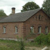 красавец дом.. :: Михаил Жуковский