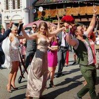 Свадьба в Измайлово. :: Александр Бабаев