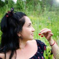 Вишневое настроение :: Екатерина Рябова