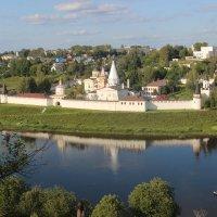 Вид на Свято-Успенский монастырь :: Дмитрий Солоненко