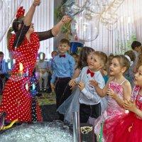 Шоу мыльных пузырей :: Дмитрий Конев