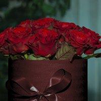 Красные розы :: Леонид