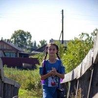 Девочка шагает по мостику. :: Вадим Басов