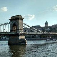 Цепно́й мост (Се́ченьи) — подвесной мост через реку Дунай, Будапешт Венгрия :: Tamara *