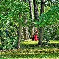 Среди зелени Парка... :: Sergey Gordoff