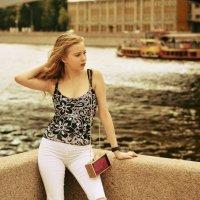 Алиса в городах :: Михаил Андреев