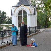 После вечерней службы в монастыре. :: Татьяна Помогалова