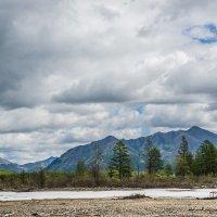 Небольшая наледь в долине реки :: Алексей Вуколов