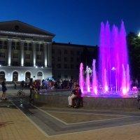 Площадь Гагарина вечером. :: Лариса Авдонина