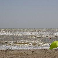 Пляж опустел :: Олег