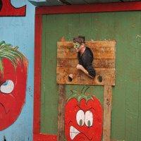 Средневековое веселье: попади помидором в живую мишень - сбрось стресс! :: Олег Чемоданов