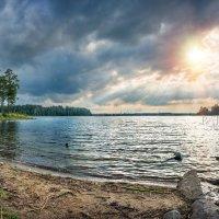 Озеро Валдай и причал :: Юлия Батурина