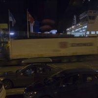 Морской терминал ночью-2 :: Александр Рябчиков