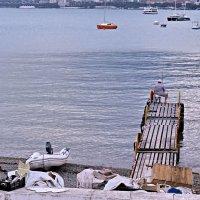 Одинокий рыбак :: Валерий Дворников
