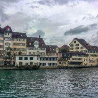 Набережная реки Лиммат. Цюрих. Швейцария. :: Олег Кузовлев