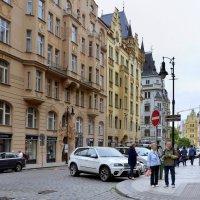 На улицах Старой Праги. :: Николай Ярёменко