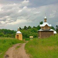 Введено-Оятский монастырь : часовня и купальня. :: Олег Попков