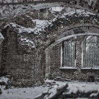 Старый храм :: Екатерина Рябинина