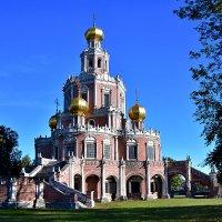 Храм в Филях :: Oleg S